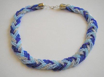 FOTKA - Proplétaný náhrdelník v modro stríbrné barvě