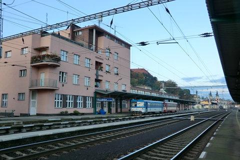 FOTKA - Roudnické vlakové nádraží v ranním čase