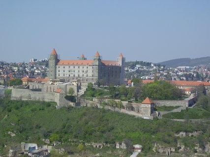 FOTKA - Bratislavský hrad v rekonstrukci z mostu SNP