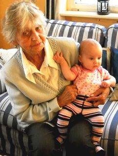 FOTKA - prababička se Sárinkou