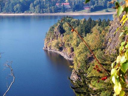 FOTKA - Podzimní barvy u přehrady