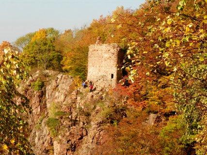 FOTKA - Jméno hrad dostal podle řeky která zde mění směr o 180 stupńů proto OHEB