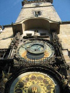 FOTKA - orloj zespoda