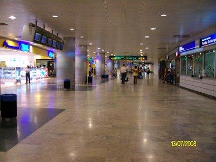 FOTKA - čekání na letadlo _ Madrid
