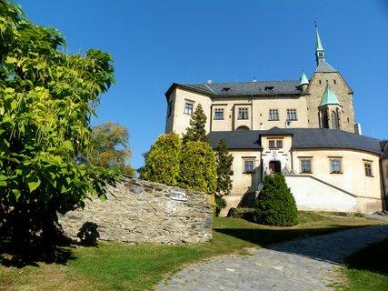 FOTKA - Hrad  Šternberk ze 13 století