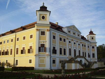 FOTKA - zámek Milotice  ....