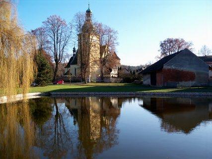 FOTKA - Zrcadlení kostela v Přepychách