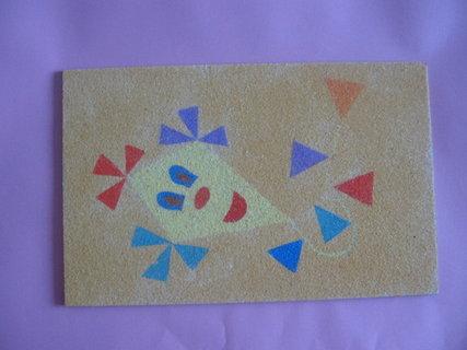 FOTKA - šarkan vysypaný farebným pieskom
