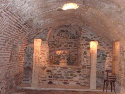 FOTKA - Soluň - katakomby v kostele sv. Demetria I