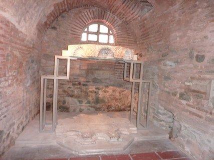FOTKA - Soluň - katakomby v kostele sv. Demetria IV