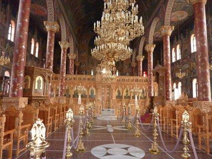 FOTKA - V kostele v Leptokarii III