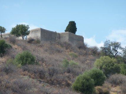 FOTKA - Pevnost na ostrově, kde se v době okupace ilegálně vyučovala řečtina