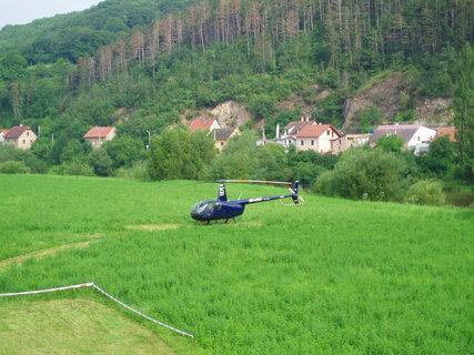 FOTKA - vrtulník u Berounky