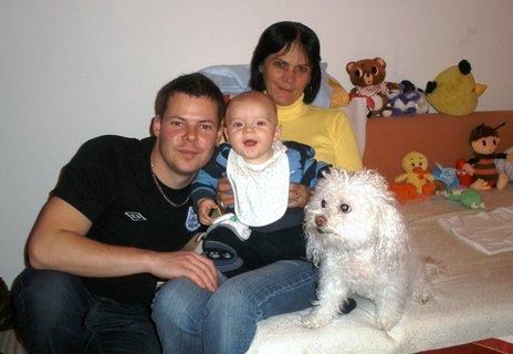 FOTKA - Péťa s babičkou,strejdou a Cindy