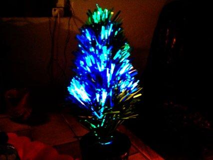 FOTKA - malý stromeček s vlákny měnící barvy.......