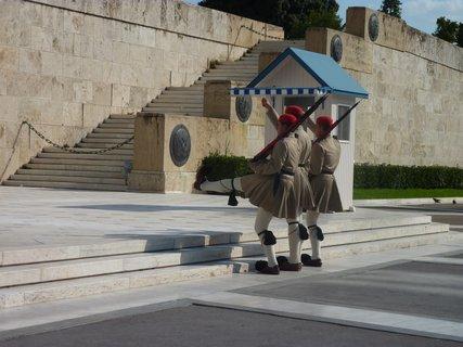 FOTKA - Výměna stráží před parlamentem IV