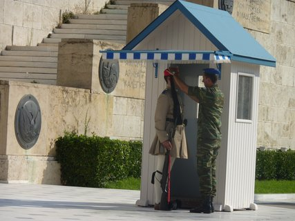 FOTKA - Výměna stráží před parlamentem X
