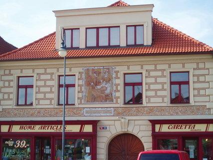FOTKA - Beroun - dům na náměstí .