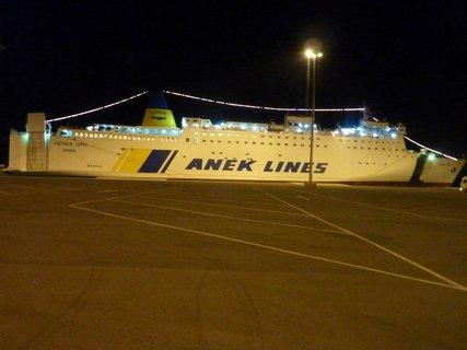FOTKA - Loď v Patrasu