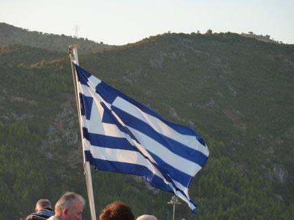 FOTKA - Řecká vlajka na lodi