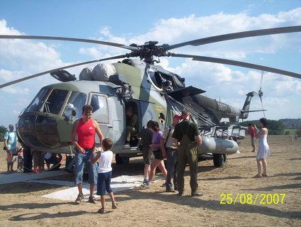 FOTKA - prohlídka vrtulníku