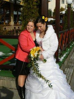 FOTKA - nevěsta se sestrou