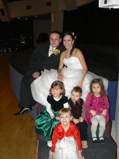 FOTKA - novomanželé s dětmi