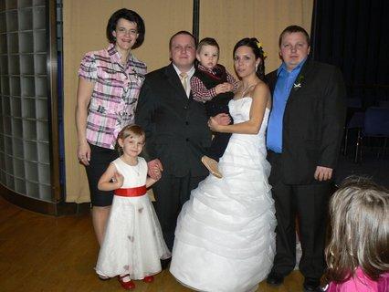 FOTKA - novomanželé a moje rodina
