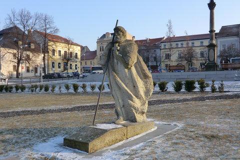 FOTKA - Socha Sv.Vojtěcha na náměstí