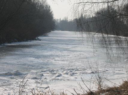 FOTKA - zamrzlá řeka 1