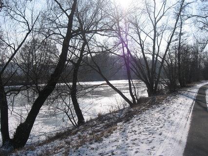 FOTKA - zamrzlá řeka 2
