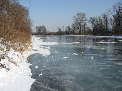 FOTKA - zamrzlá řeka 3