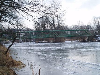 FOTKA - zamrzlá řeka .