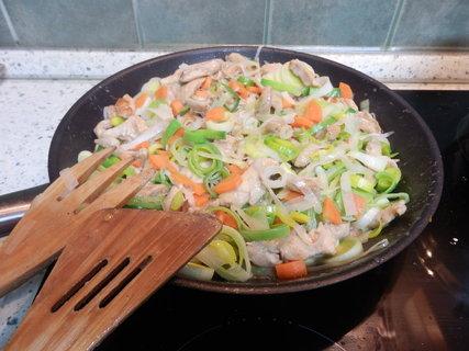 FOTKA - maso v libovolné zelenině (dle období) to mohu pořád......