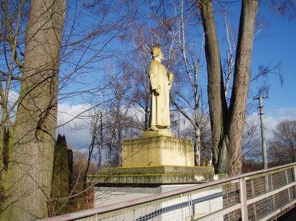 FOTKA - Dráchov - socha J. Husa