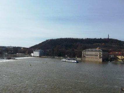 FOTKA - Pohled z Karlova mostu 1