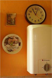 FOTKA - hodiny-2 v kuchyni
