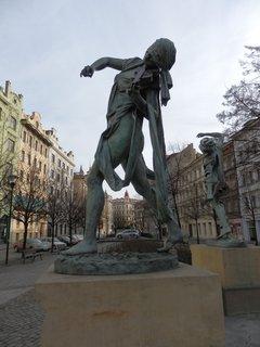 FOTKA - sochy - Čeští muzikanti - Senovážné nám.Praha -  Anna Chromy