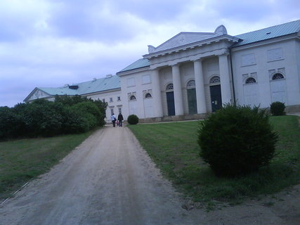 FOTKA - ...zamek Kačina u K.Hory