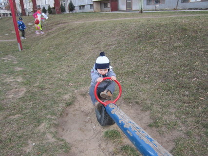FOTKA - na detskom ihrisku 4