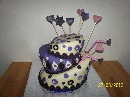 FOTKA - můj 1.křivý dort