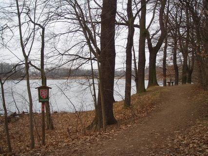 FOTKA - u rybn�ka    23.3.2012