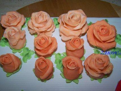 FOTKA - růže na dort
