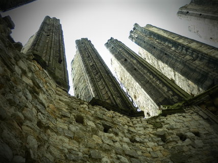FOTKA - mystické místo - Panenský Týnec, nedostavěný chrám