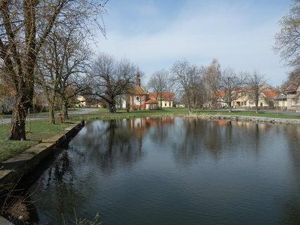 FOTKA - malebná obec Třebíz na Slánsku