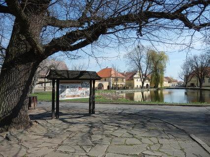 FOTKA - jarní výlety - v obci Třebíz na Slánsku