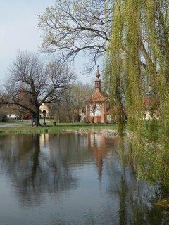 FOTKA - rybníček na návsi v Třebízi