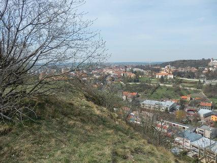 FOTKA - pohled na královské město Slaný ze Slánské hory