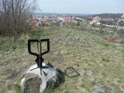 FOTKA - výhled na královské město Slaný ze Slánské hory