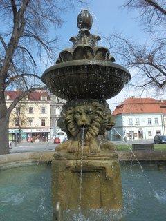 FOTKA - kašna na náměstí ve Slaném*